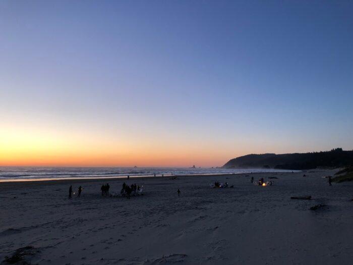 Stranden sent på kvällen